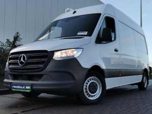 MERCEDES-BENZ - SPRINTER 214